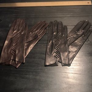 Accessories - 2 pairs 1950's gloves black and brown